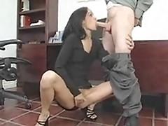 Tyra Banxxx helps boss to relax smoking his prick