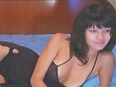 Amateur Asian Solo Fucking On Webcam