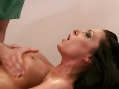 Sexy Jessica Jaymes gets her massive melons massaged