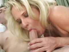 Whore Bridgett Lee gobbles down a hard meat pole