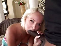 Ivana Sugar wraps her lips round a massive dick