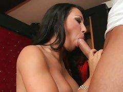 Vivacious babe wraps her moist lips round a stiff cock