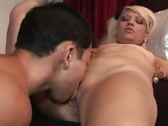 Coco Velvett gets some oral to warm her up