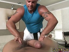 Massage pro gets his tight ass stuffed