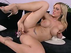 Wet Honey Tanya Tate likes the Pleasure of toying her fur pie with her fingers
