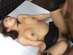 Alice Hoshi is a sexy Asian MILF