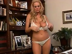 Blondie Kelly Madison pops out biggest juggs to play with