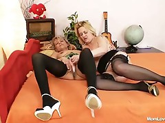 British lesbian moms toy with the pussy