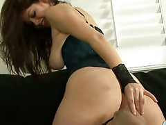 18 yo latina beauty isis taylor gets ass worshiped