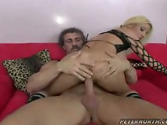 Sexy kelly wells gets her pussy fucked