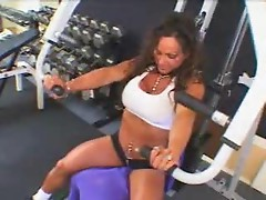 Body building slut fucked hard