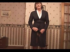 Mature with hairy cunt poses in stockings