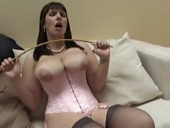 British milf wants to be worshipped