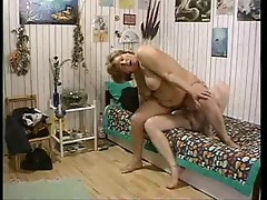 Flabby mature fucked in her hairy pussy