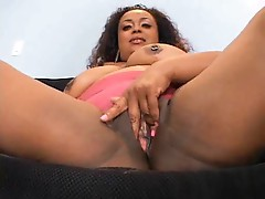 Watch a fat black slut do anal sex