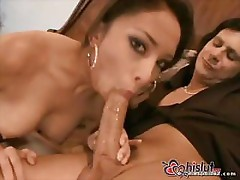 Alexis Love gives a front row view of her pussy while fucking