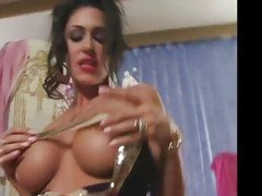 Jessica Jaymes tries to prolong the sex but she can't help to bust