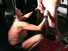 Ball-torturing wench