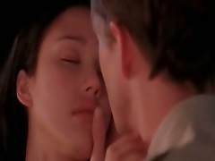 Darksome Angel Star Jessica Alba MAking out with a guy before he pulls down her dress to kiss her breast. we then See thEm in ottoman having sex. in o
