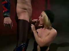 Knob Starved Blondie Krissy Lynn alluringly Munchowdyng on a Lucky Man's harDon