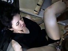 Latin chick Claudia wide pussy widening