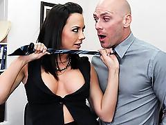 Chanel Preston seduces Johnny Sins