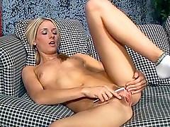 Shaggy Blonde slit pounded