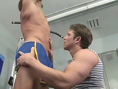 Richard Pierce brings Travis James to the Randy Blue gym for a hot workout, blowjob, rimming session and facial.