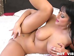 Hot slutty brunette babe carmen croft fingers her pussy