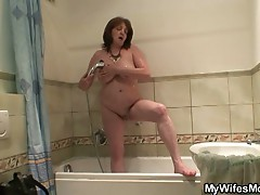 Old bitch fucked hard by a yoiunger hard cock