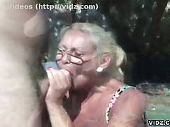 Granny hot babe loves sucking on young dicks
