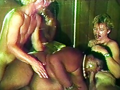 Fat ebony in threesome sucks and fucks