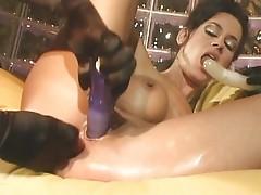 Horny lady gets pleasured