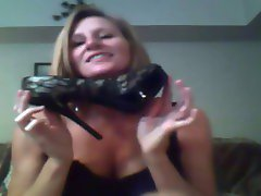 mature shoe fetish on cam