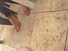 Nice 19 yo candid feet ,