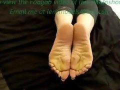 Lady Lev long silver toe nails