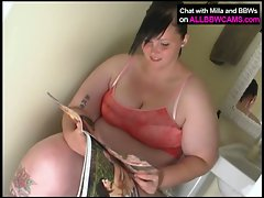 Fat plumper milla fingers herself in bathroom