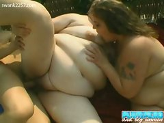 Two bbw chicks hot threesome with skinny dude