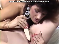 Tender woman touch for retro lesbian pussy
