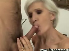Granny in stockings loves to pussy fuck