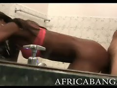 Amateur African tramp pussyhole banged in public toilet