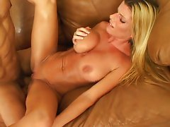 Busty MILF knows what pleases a cock