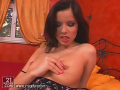 Horny hottie Peaches pleasures her pussy lips with her fingers