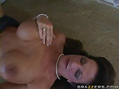 Buxom mama Deauxma is in the kitchen for a serving of fuck