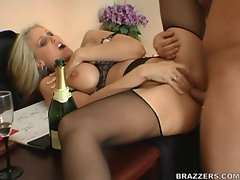 Big tittied Julia Ann gets her cunt stretched by huge cock