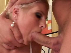 Hardcore anal slut Wiska likes having her tight asshole rammed
