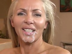 Slut Lisa Lee gets her lips around big cock and gets drilled before taking jizz