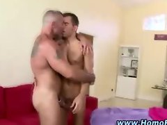 Straight muscley hunk gets seduced