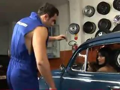 Brazilian babe gets an oil change