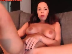 Horny Housewife Cam Show